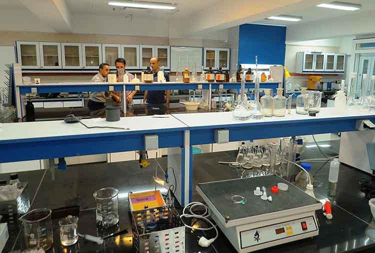 آزمایشگاه آب و فاضلاب